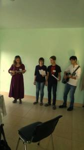Моладзь з Мінска прадстаўляе песню пра дасканалую радасць